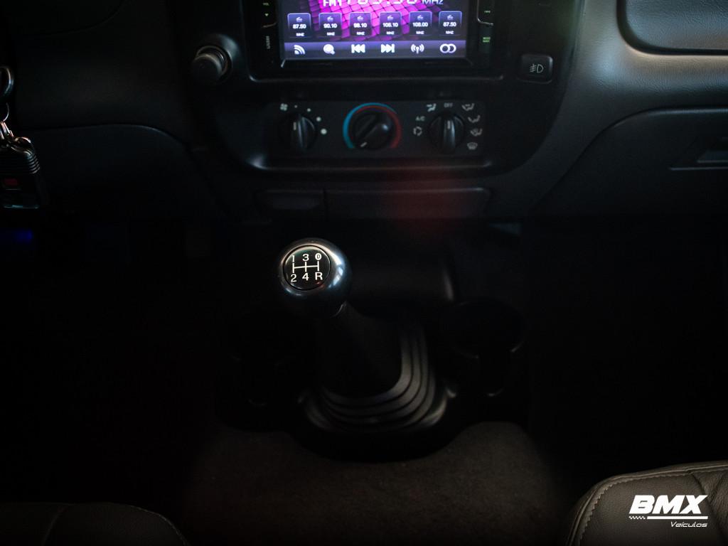 Imagem do veículo FORD RANGER 2.3 XLS 16V 4X2 CD GASOLINA 4P MANUAL