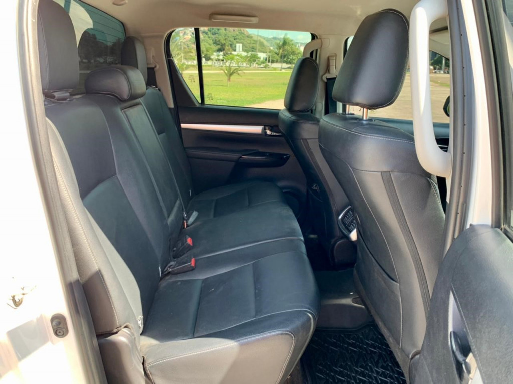 Imagem do veículo TOYOTA Hilux  2.8 Srx 4x4 Cd 16V Diesel 4p Aut.