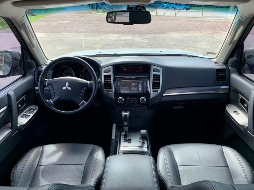 Imagem do veículo MITSUBISHI PAJERO FULL 3.2 HPE 4WD 16V TURBO INTERCOOLER DIESEL 4P AUTOMÁTICO