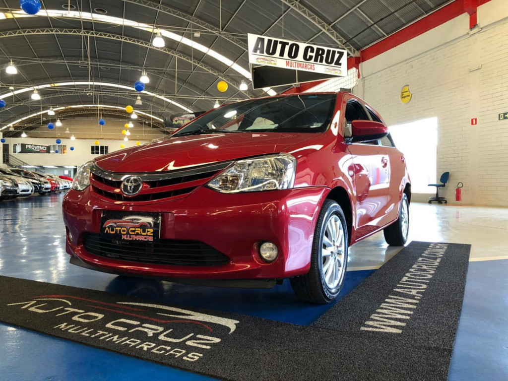 Toyota Etios Hatch 1.5 Xls