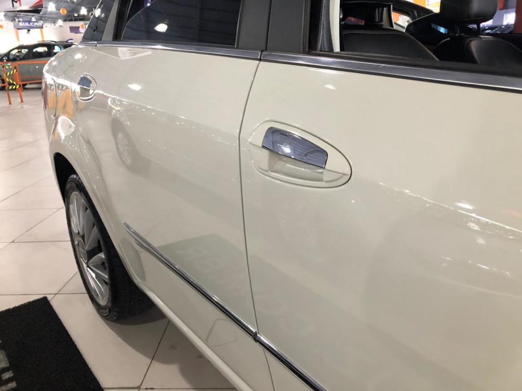 Imagem do veículo Fiat Linea Absolute 1.8 Dualogic 2016