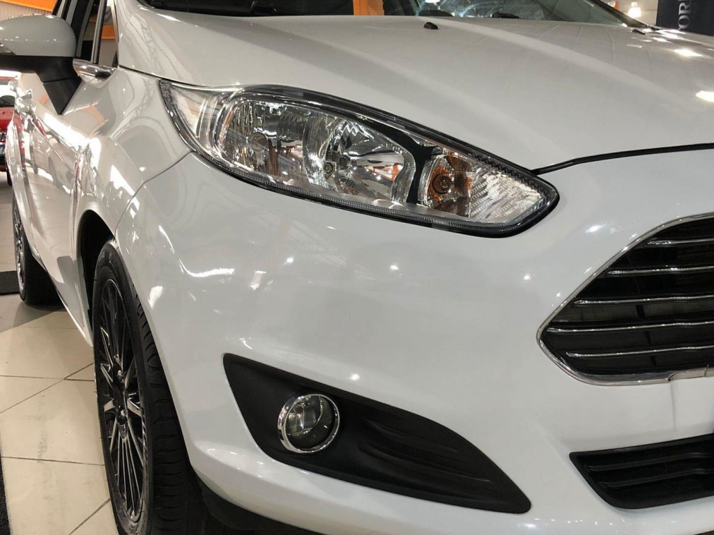 Imagem do veículo Ford Fiesta Hatch 1.6 Titanium 2016