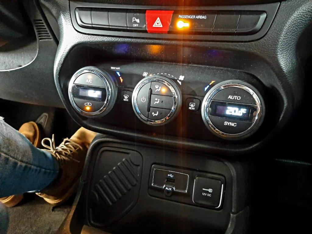 Imagem do veículo Jeep Renegade Longitude 1.8 Flex 2016