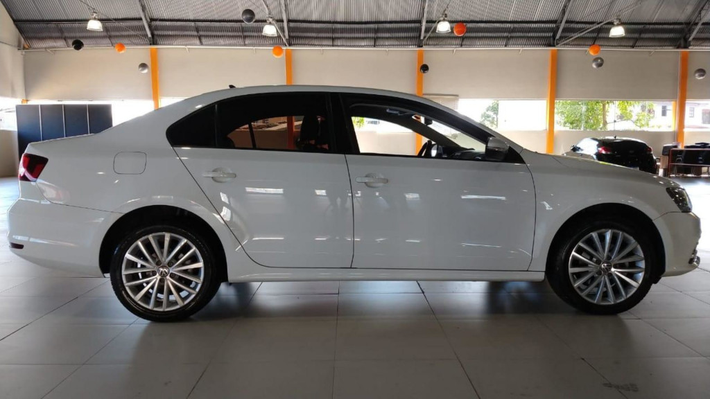 Imagem do veículo Volkswagen Jetta