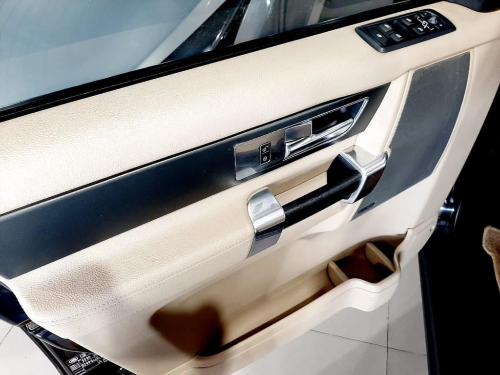 Imagem do veículo Land Rover Discovery 4 2.7 S