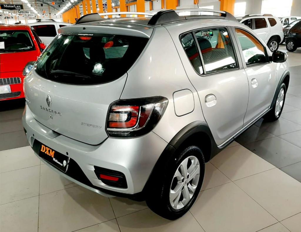 Imagem do veículo Renault Sandero Step 16