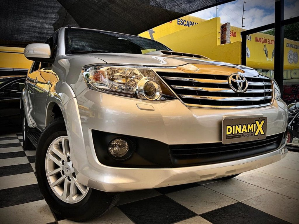 Toyota Hilux Sw4 7lugares 4x4 2014