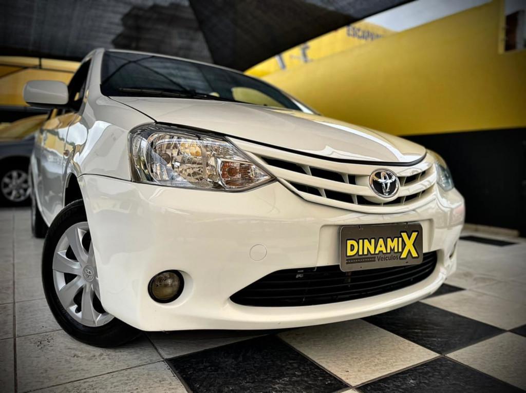 Toyota Etios Xs 1.5 2013