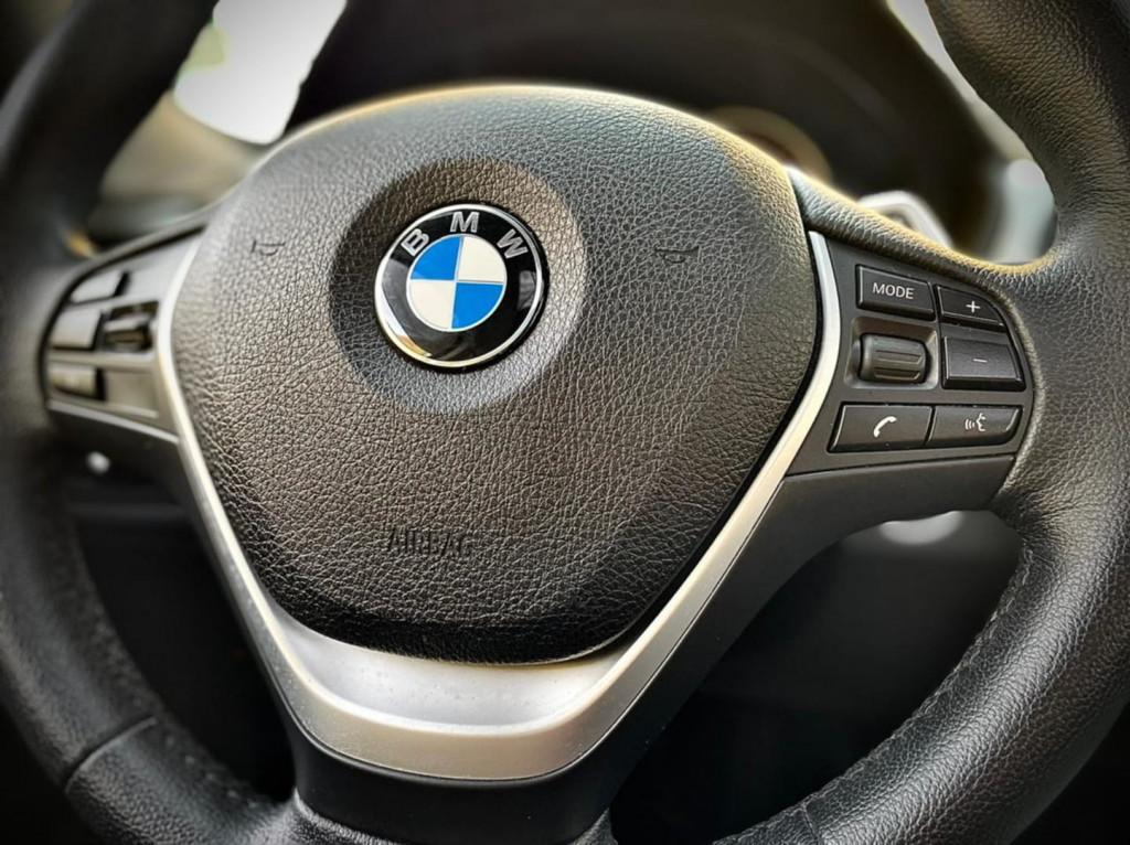 Imagem do veículo Bmw 320i Sport 2.0 2015