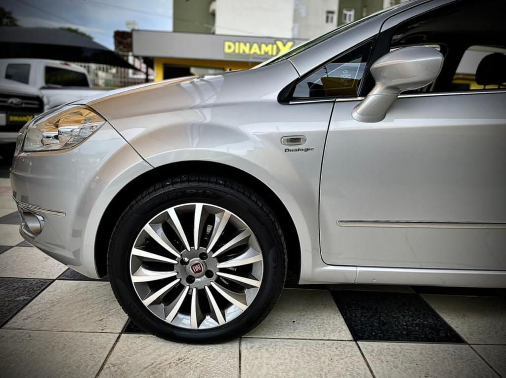 Imagem do veículo Fiat Linea Absolute 1.8 Dualogic 2014