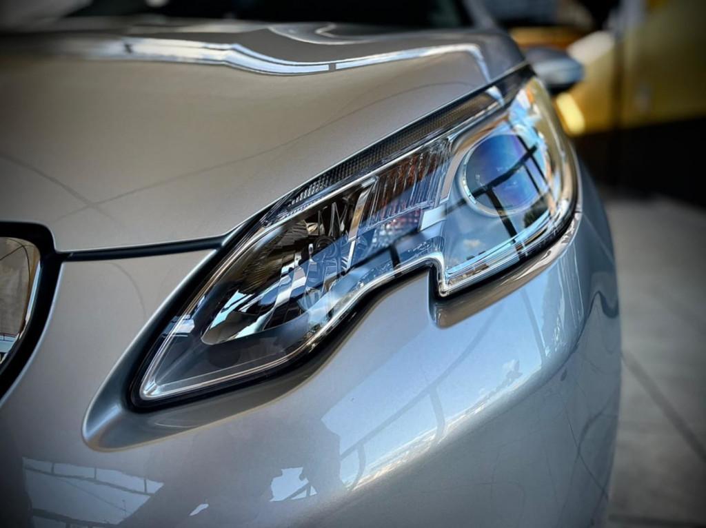 Imagem do veículo Peugeot 2008 Griffe 1.6 2016