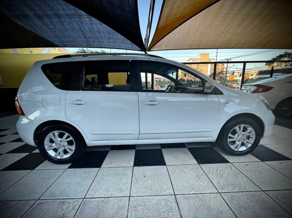 Imagem do veículo Nissan Livina S