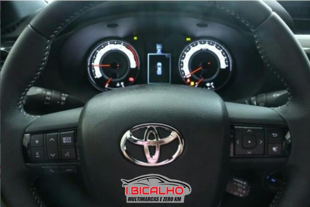 Imagem do veículo Toyota Hilux 2.8 Srx 4x4 Cd 16v Diesel 4p Aut