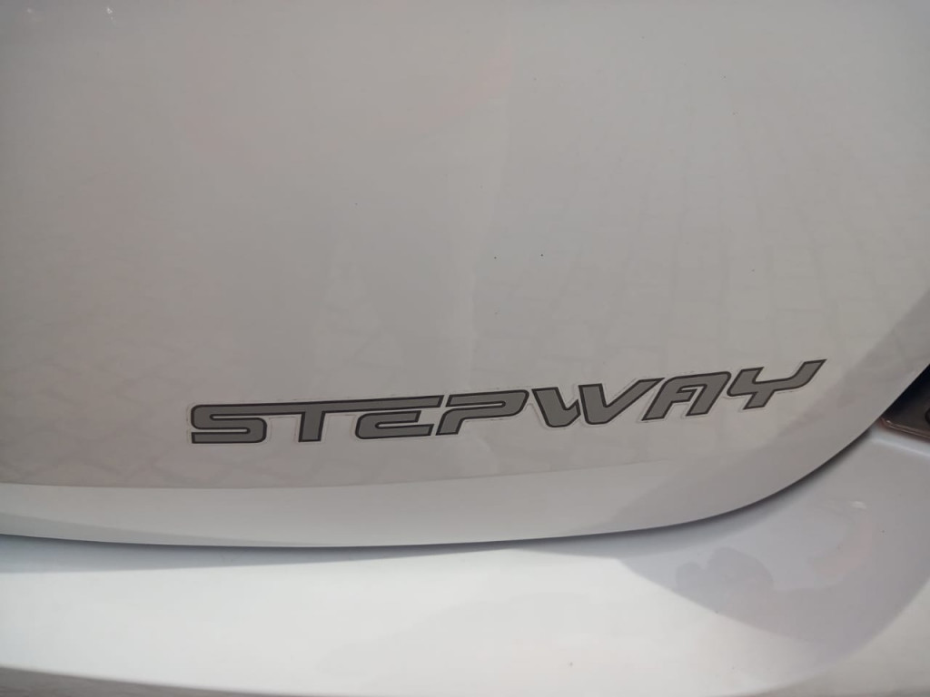 Imagem do veículo RENAULT SANDERO 1.6 STEPWAY TWEED 8V FLEX 4P MANUAL