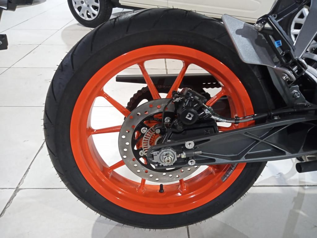 Imagem do veículo KTM Duke 200