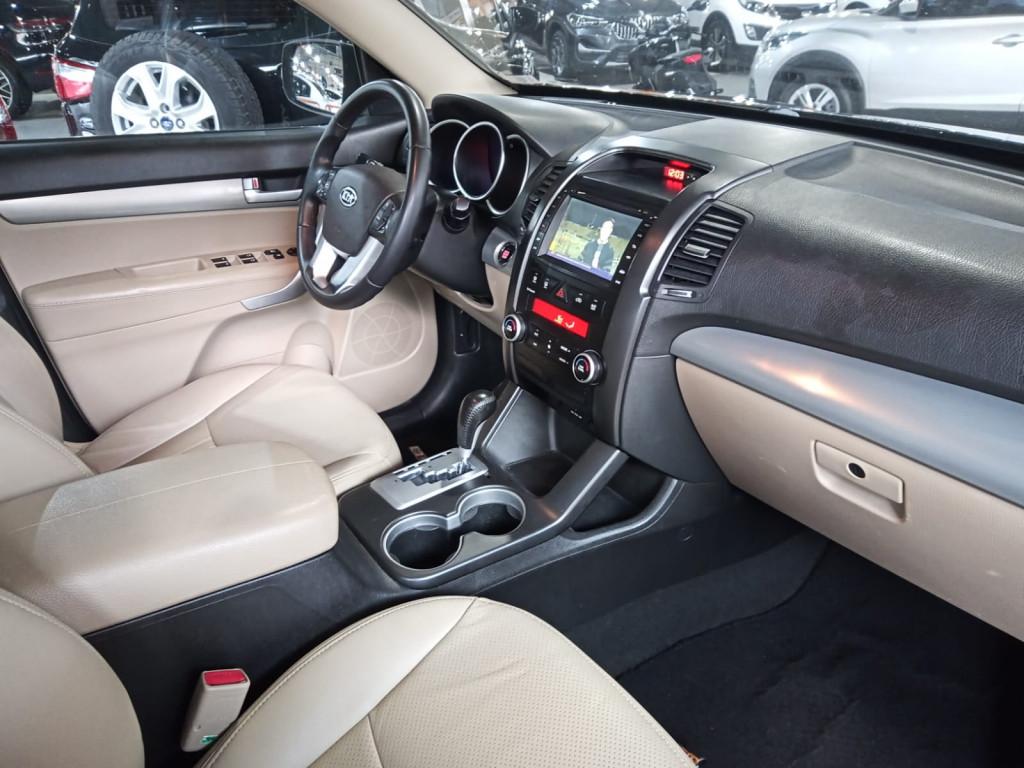 Imagem do veículo KIA SORENTO 2.4 16V GASOLINA EX 7L AUTOMÁTICO