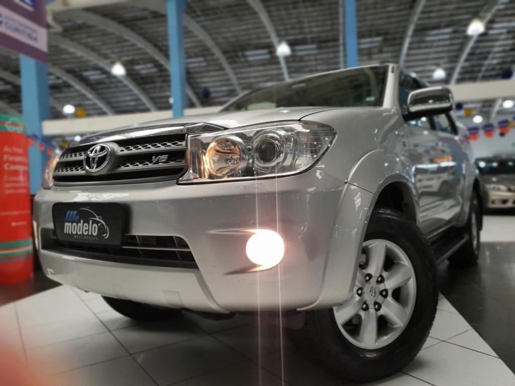 Toyota Hiluxsw4 Srv4x4