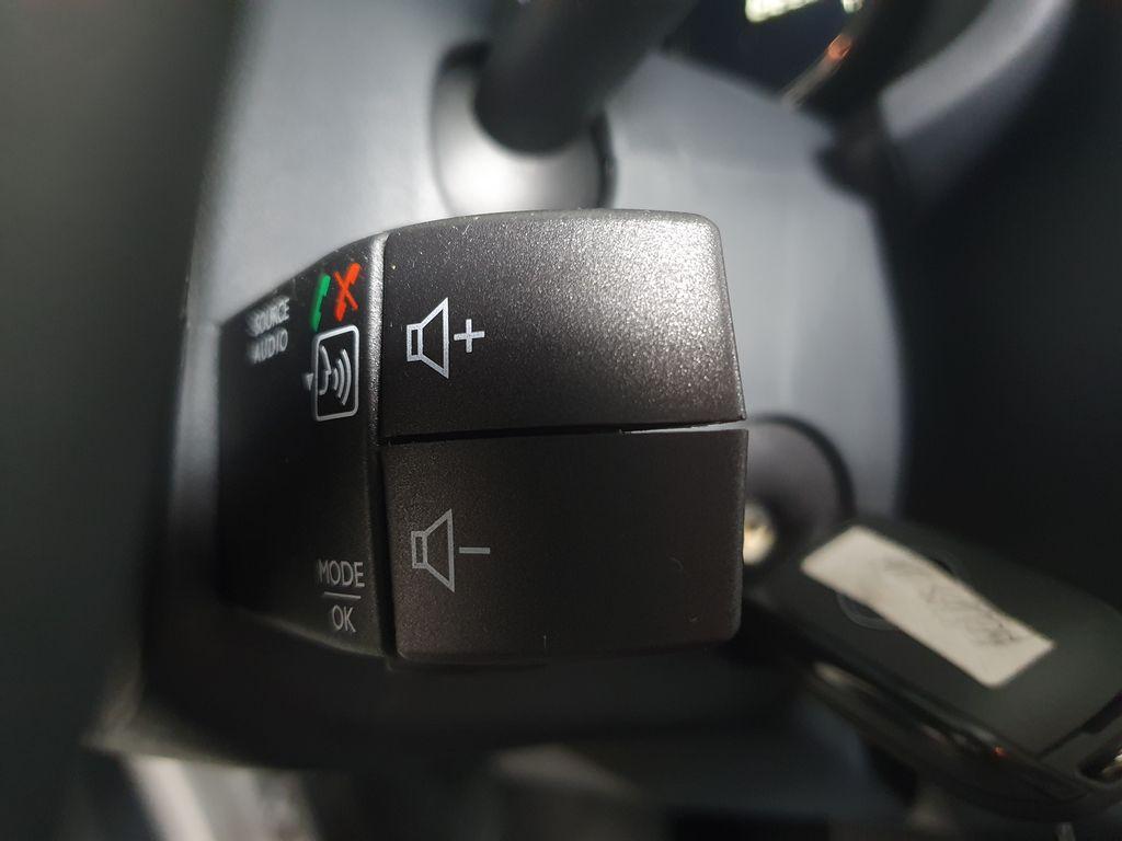 Imagem do veículo Renault SANDERO STEP. Iconic Flex 1.6 16V Aut.