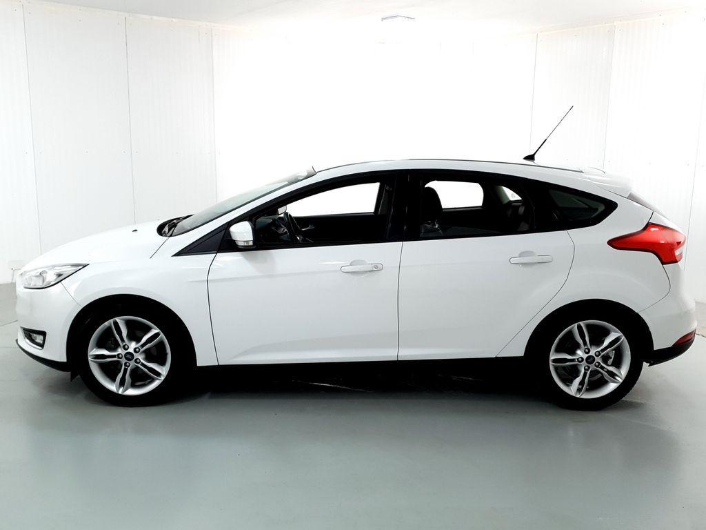 Imagem do veículo Ford Focus 1.6 S/SE/SE Plus Flex 8V/16V  5p