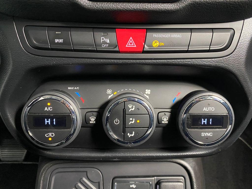 Imagem do veículo Jeep Renegade Limited 1.8 4X2 Flex 16V Aut.