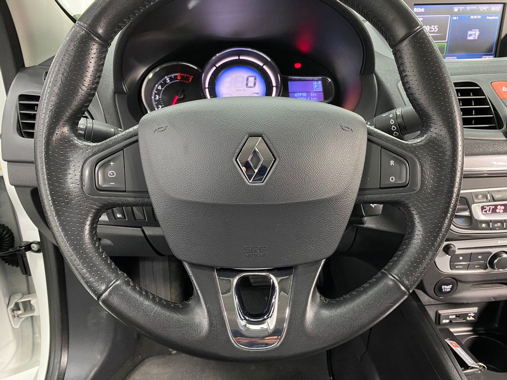 Imagem do veículo Renault FLUENCE Sed. Dyn. Plus 2.0 16V FLEX Aut.