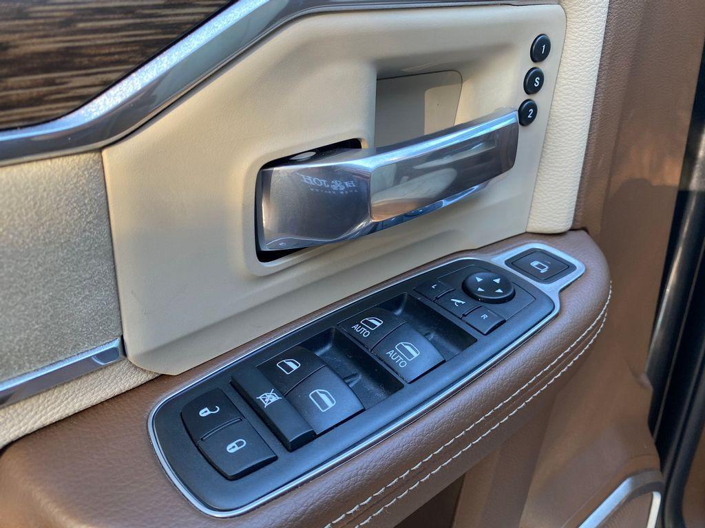 Imagem do veículo RAM 2500 LARAMIE  6.7 TDI  CD 4x4 Diesel