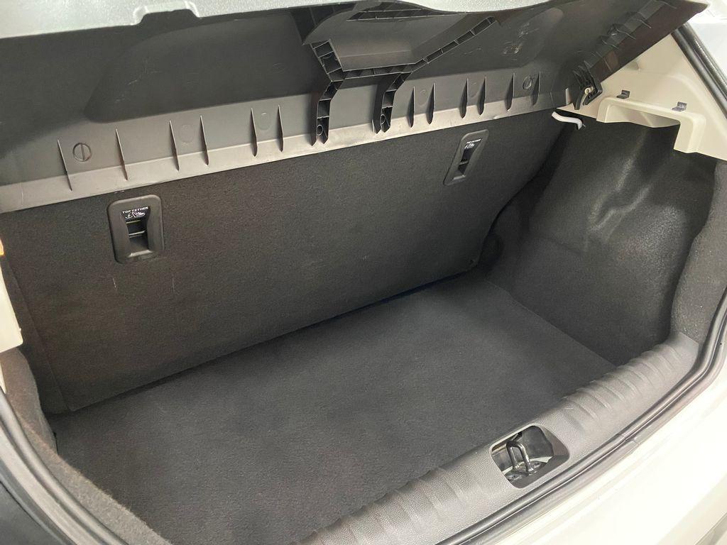 Imagem do veículo Chevrolet ONIX HATCH LT 1.0 8V FlexPower 5p Mec.