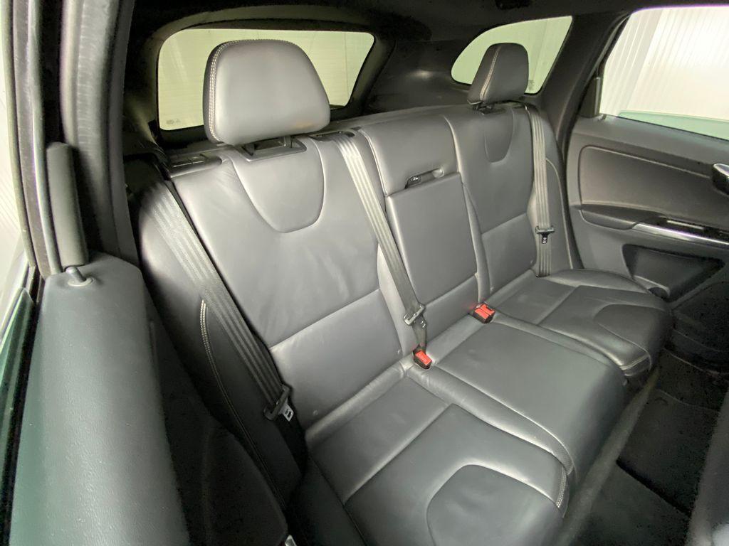 Imagem do veículo Volvo XC 60 T-5 R-DESIGN 2.0 FWD 5p