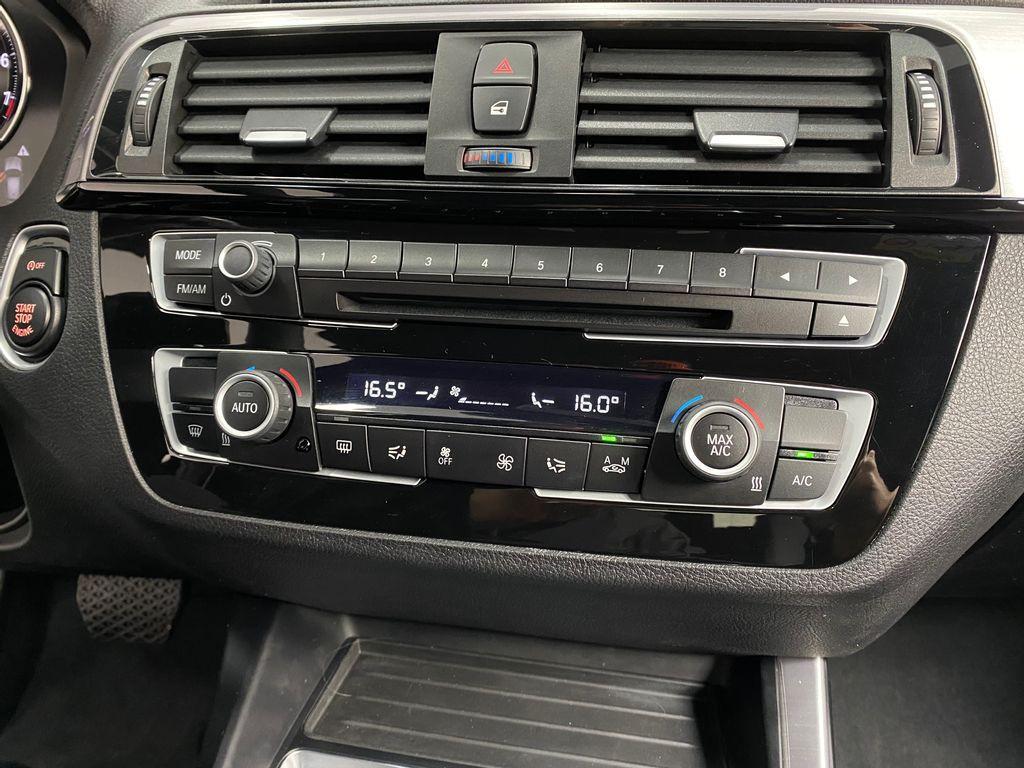 Imagem do veículo BMW 120iA Sport 2.0/ActiveFlex 16V Aut.