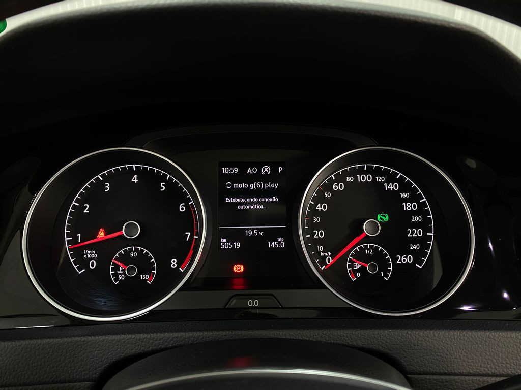 Imagem do veículo VolksWagen Golf Highline 1.4 TSI Total Flex Aut.