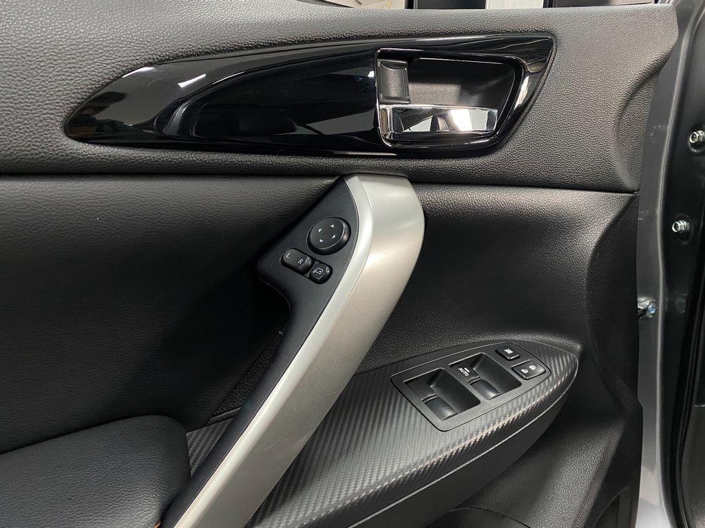 Imagem do veículo Mitsubishi Eclipse Cross HPE-S 1.5 16V 165cv Aut.