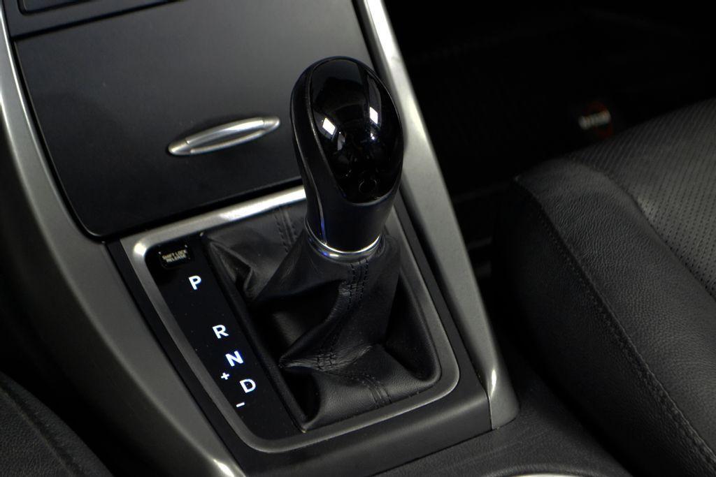 Imagem do veículo Hyundai Elantra GLS 2.0 16V Flex Aut.