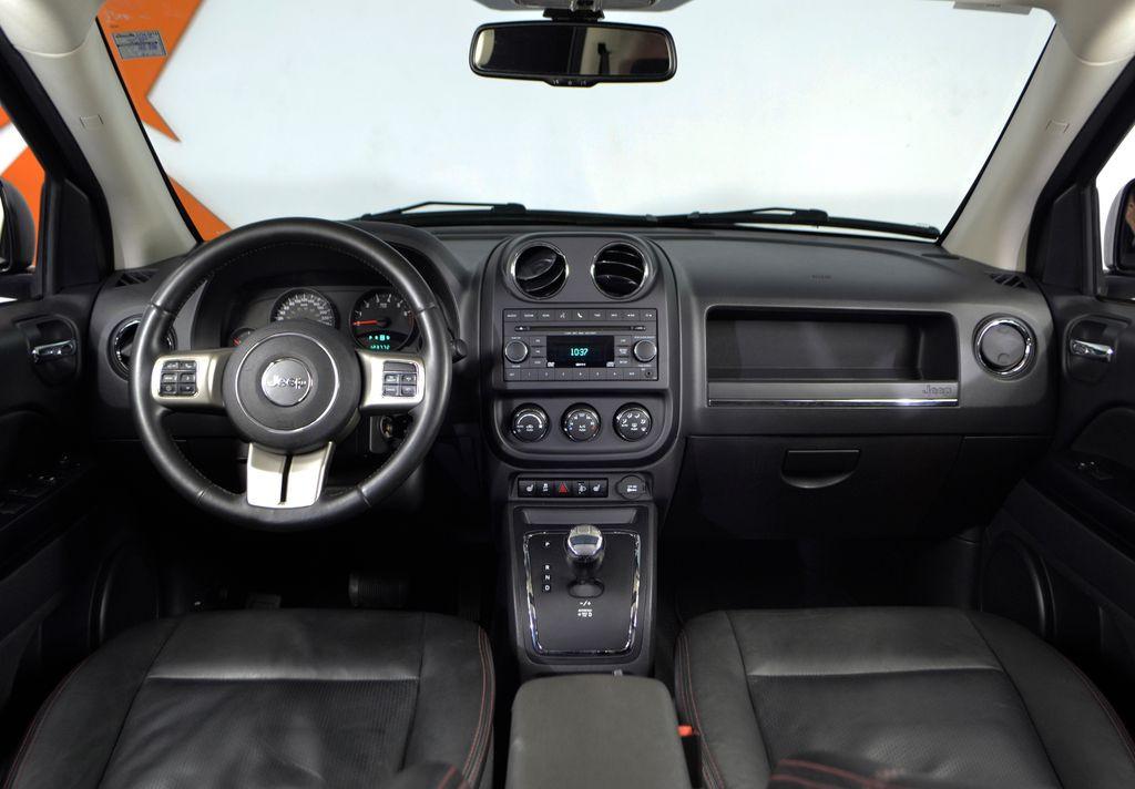 Imagem do veículo Jeep COMPASS SPORT 2.0 16V 156cv 5p