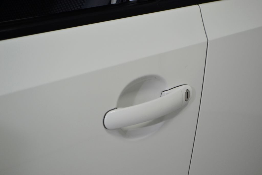 Imagem do veículo VolksWagen Up! Move 1.0 Total Flex 12V 5p