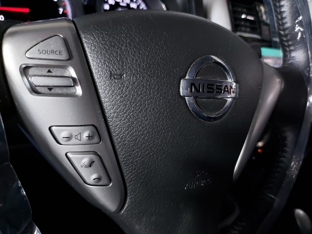 Imagem do veículo NISSAN VERSA SL 1.6 FLEXSTART 4P MANUAL - 2019 - BRANCO