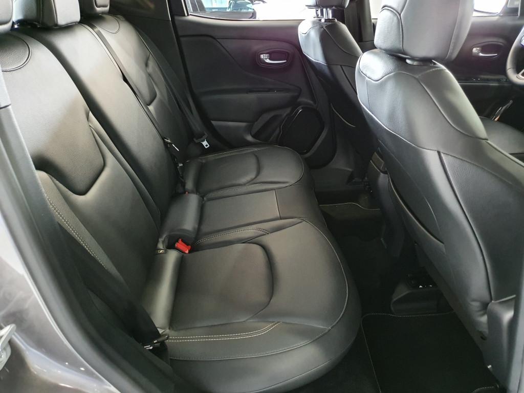 Imagem do veículo JEEP RENEGADE LIMITED 1.8 FLEX 4P AUTOMÁTICO 6M - 2018 - CINZA