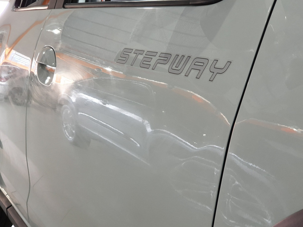 Imagem do veículo RENAULT SANDERO STEPWAY SCE 1.6 FLEX 4P MANUAL - 2018 - BRANCO