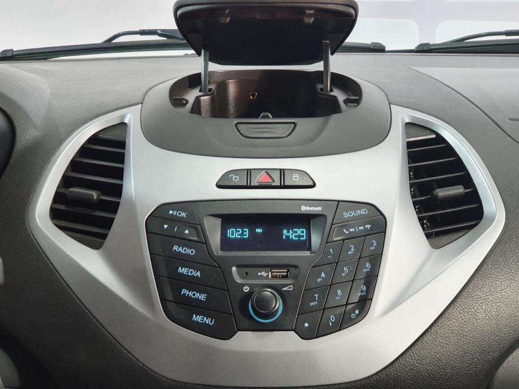 Imagem do veículo FORD KA HATCH SE 1.0 FLEX 4P MANUAL - 2015 - VERMELHO