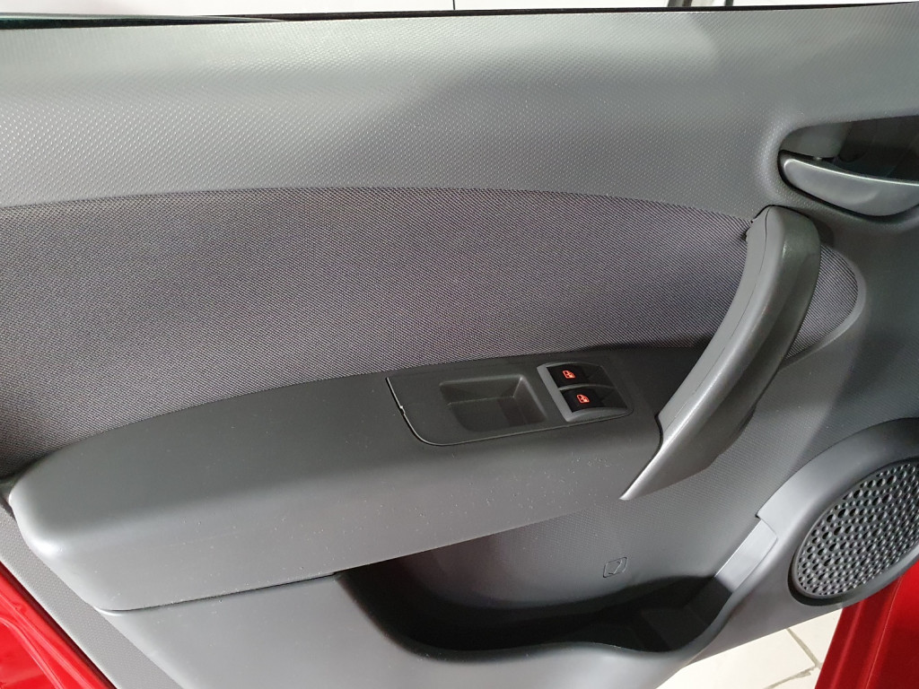 Imagem do veículo FIAT PALIO ATTRACTIVE 1.0 FLEX 4P MANUAL - 2016 - VERMELHO