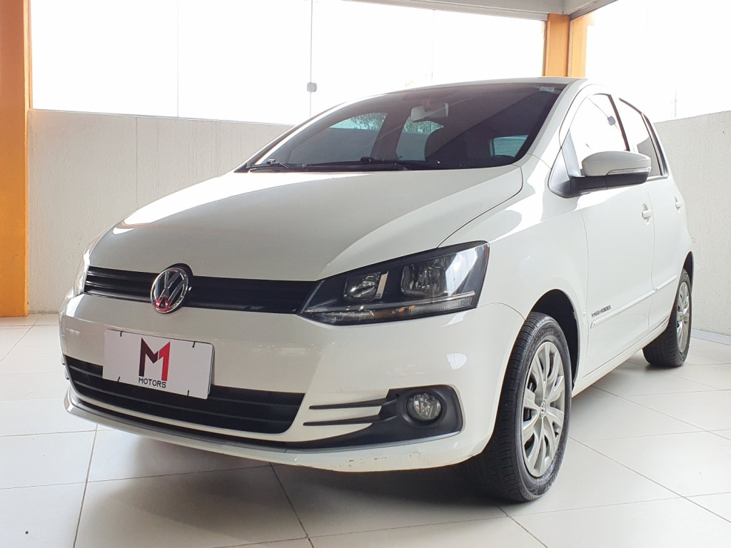 VOLKSWAGEN FOX COMFORTLINE MSI 1.6 FLEX 4P MANUAL - 2015 - BRANCO