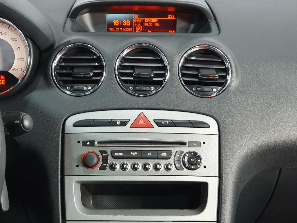 Imagem do veículo PEUGEOT 308 ALLURE 2.0 FLEX 4P AUTOMÁTICO 6M - 2015 - BRANCO
