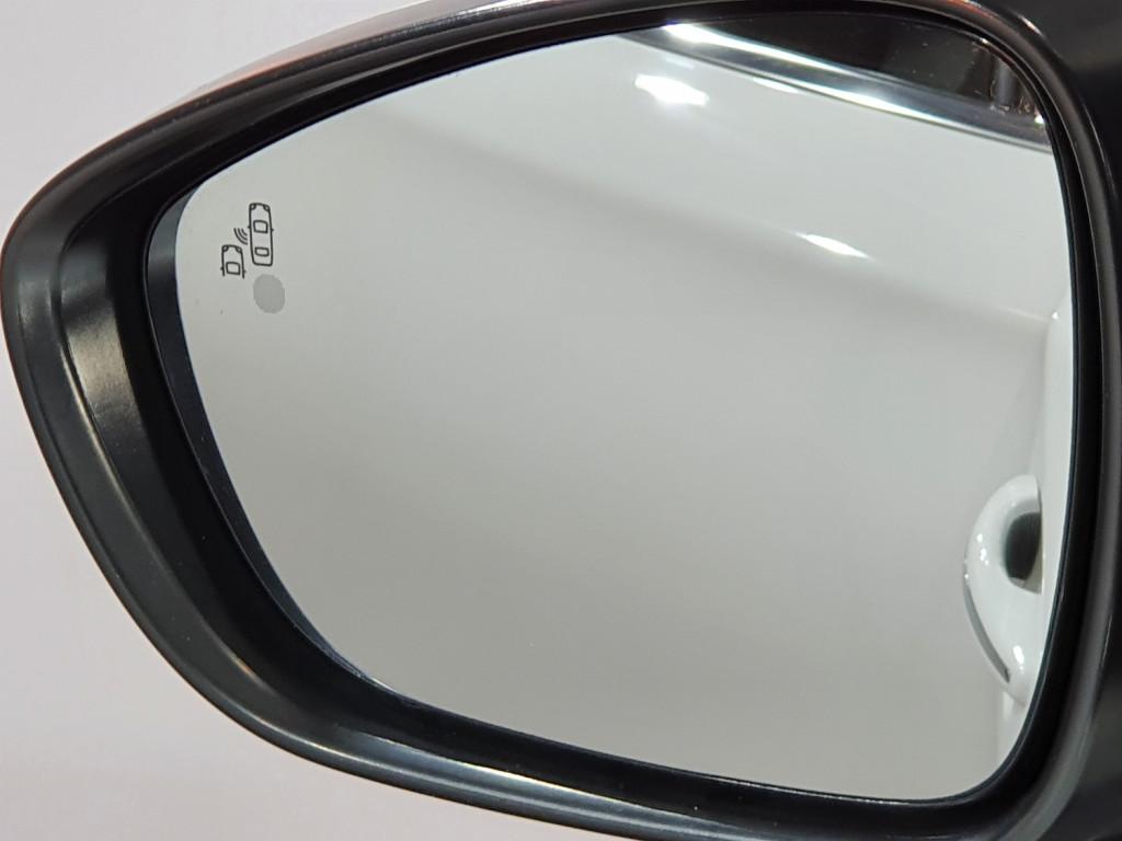 Imagem do veículo CITROËN C4 LOUNGE EXCLUSIVE 1.6 TURBO THP GASOLINA 4P AUTOMÁTICO 6M - 2015 - BRANCO