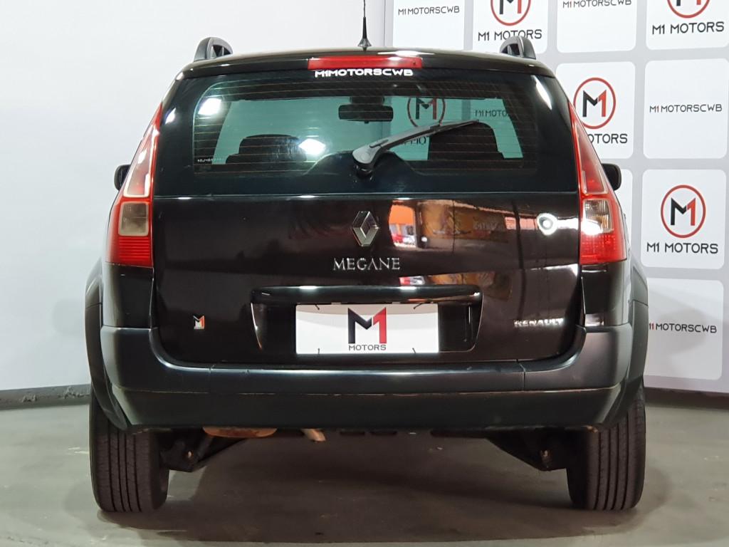 Imagem do veículo RENAULT MEGANE GRAND TOUR DYNAMIQUE 1.6 FLEX 4P MANUAL - 2011 - PRETO