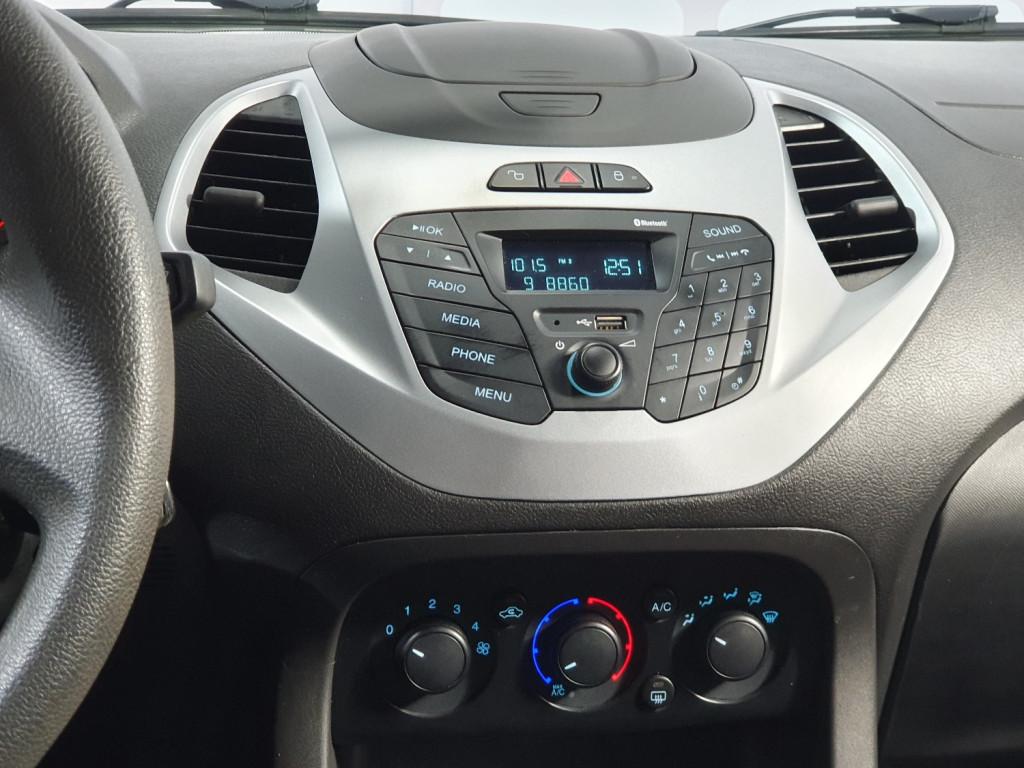 Imagem do veículo FORD KA SE 1.0 FLEX 4P MANUAL - 2015 - BRANCO