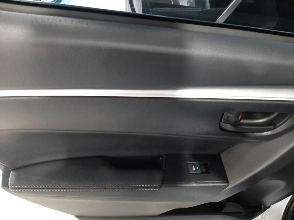 Imagem do veículo TOYOTA COROLLA XEI 2.0 FLEX 4P CVT - 2019 - PRATA
