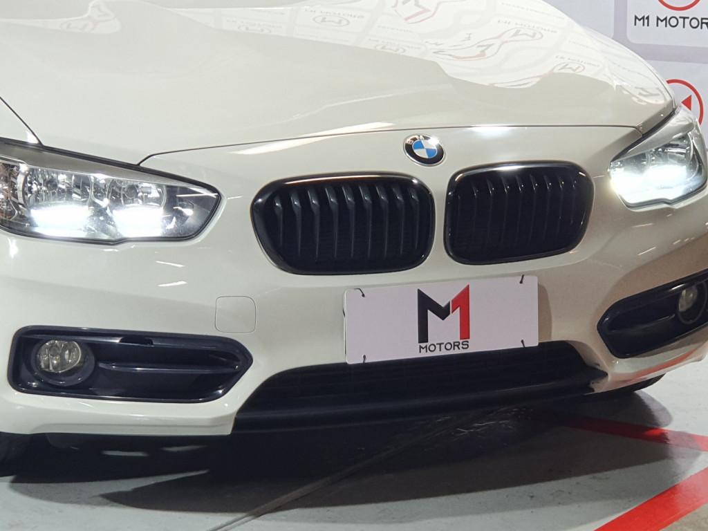 Imagem do veículo BMW 120i SPORT GP ACTIVE 2.0 FLEX 4P AUTOMÁTICO 8M - 2016 - BRANCO