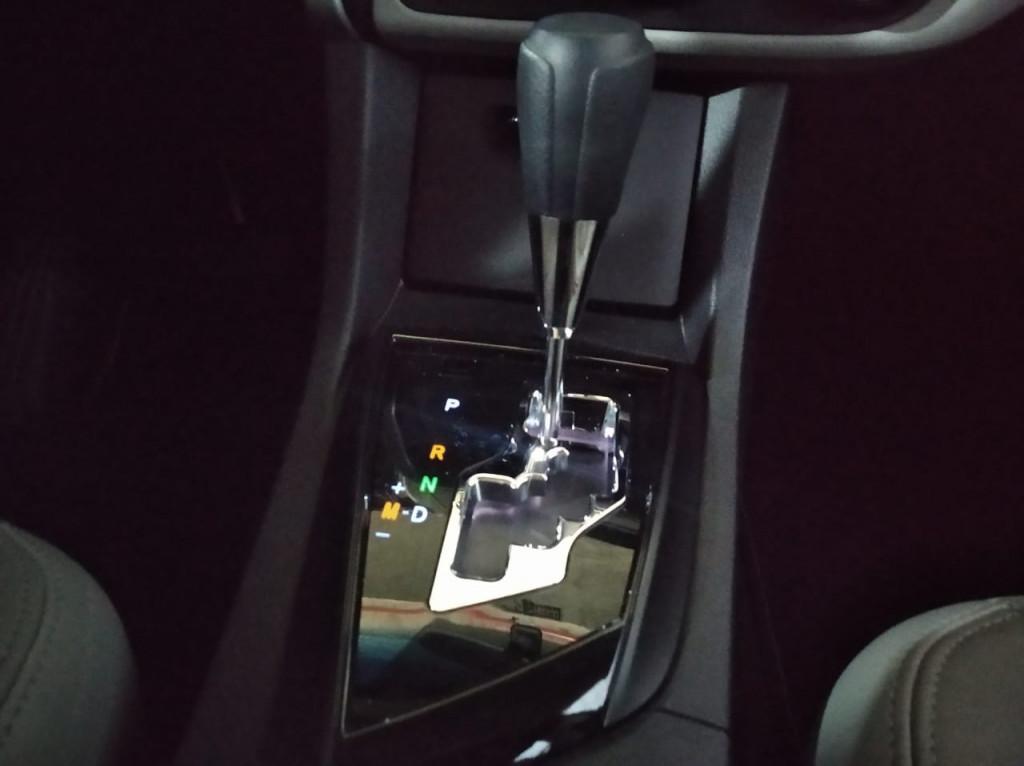 Imagem do veículo TOYOTA COROLLA GLI UPPER 1.8 FLEX 4P CVT - 2018 - PRATA