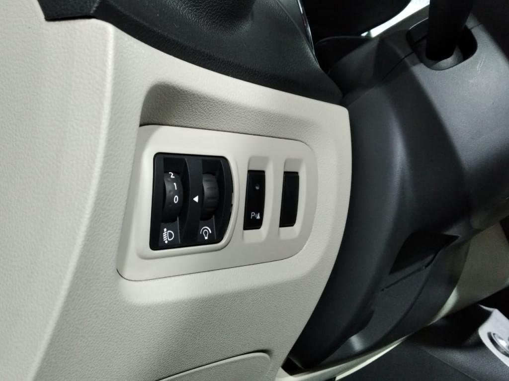 Imagem do veículo RENAULT CAPTUR 2.0 FLEX 4P INTENSE AUTOMÁTICO 4M - 2018 - PRETO