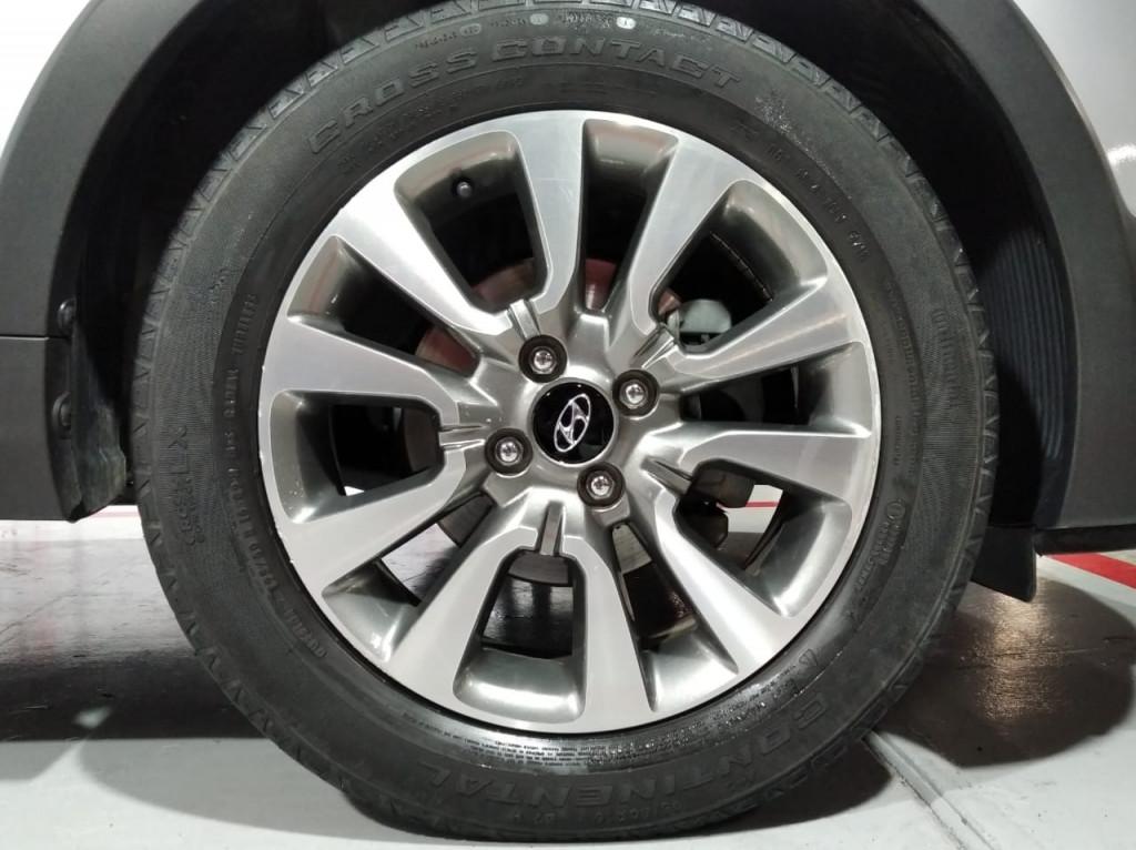 Imagem do veículo HYUNDAI HB20X PREMIUM 1.6 FLEX 4P AUTOMÁTICO 6M - 2017 - PRATA