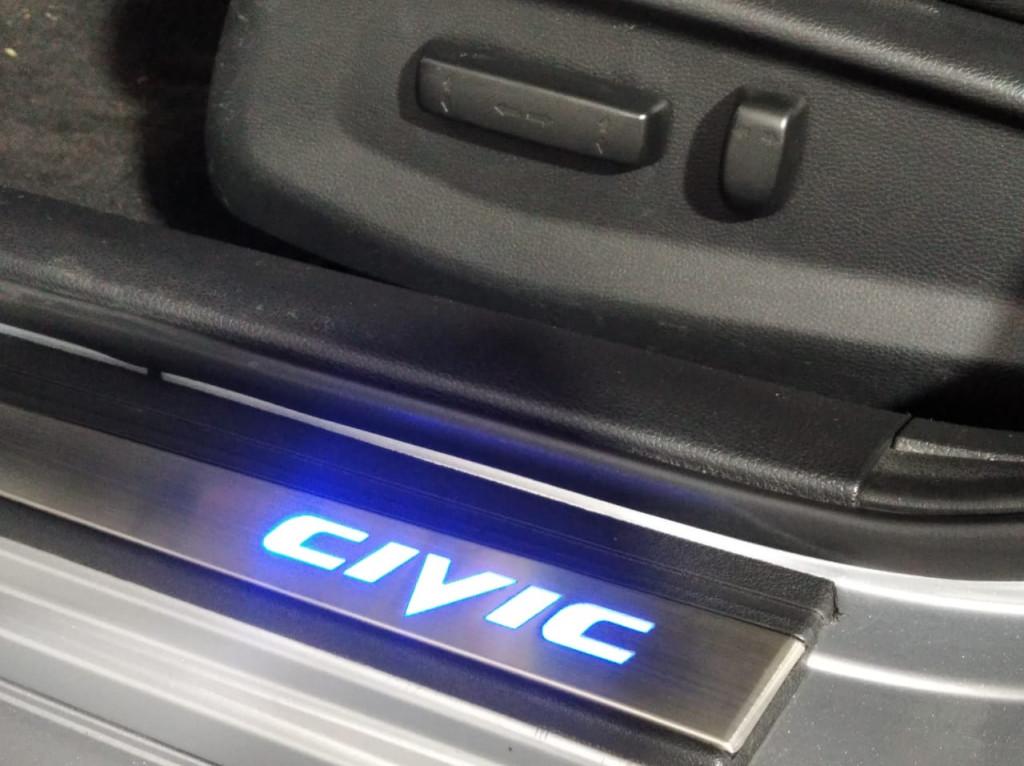 Imagem do veículo HONDA CIVIC TOURING 1.5 TURBO GASOLINA 4P CVT - 2017 - PRATA